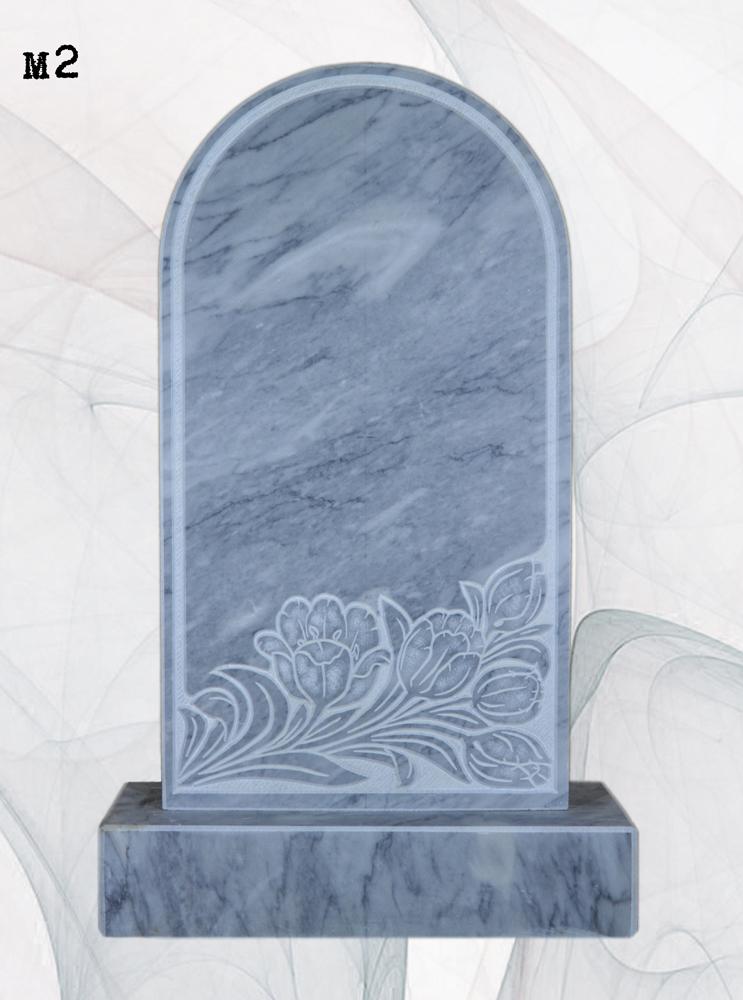 Мраморный памятник резной лилии